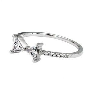 Ocean Fashion Jewelry - Delicate butterfly crystal ring